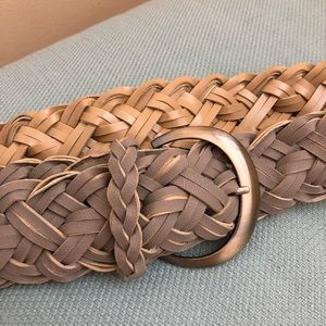 Accessories - Poly synthetic leather weave belt.